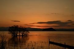 静寂な湖北