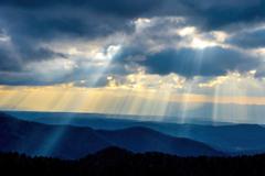 旭岳より ー希望の光-