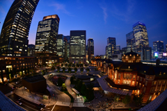 東京駅の夜