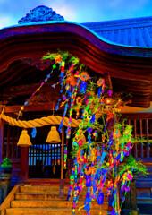 拝殿に七夕飾り (萩市 住吉神社)