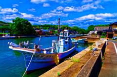 気持ちの良い青空と船 (萩市 姥倉運河)