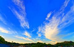 碧空と美しき巻雲 (山口県萩市)