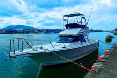 プレジャーボートのある光景  (萩市 松本川)