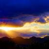 雲間から西陽射す光芒 (山口県 萩市)