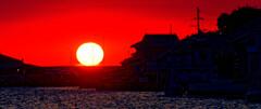 日没前の太陽 (山口県萩市 松本川)