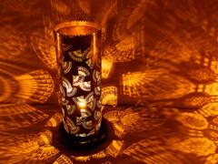 藍染の柄と真鍮製の型から映し出される美  (雅叙園 和のあかり展)