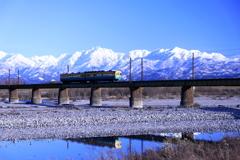 冬の青空と立山連峰