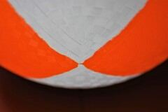 白とオレンジ