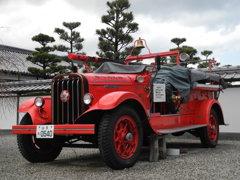 レオ消防ポンプ自動車。