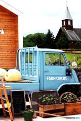farm circus。