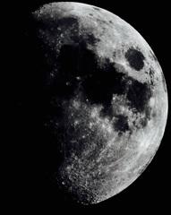 月が落ちてくる話