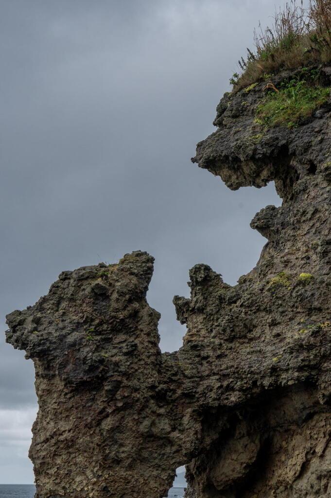 松前半島西岸の奇岩 その3 親子熊岩