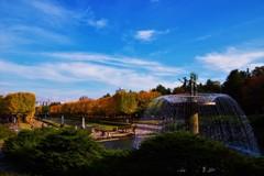 秋の空とカナール大噴水☆。.:*・゜