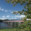 御所湖と繋大橋と奥に岩手山。
