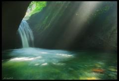 光の水遊び
