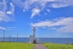 青い空と白い灯台