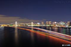 東京湾にかかる光線