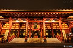 雨上がり夜の浅草寺1