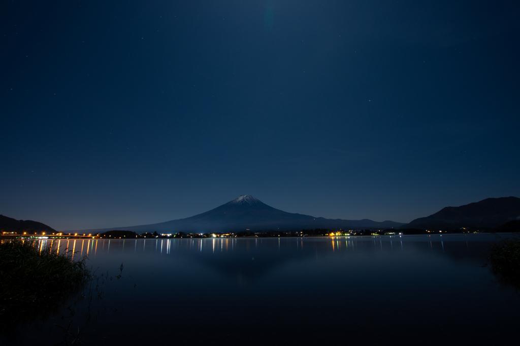 深夜の鏡富士