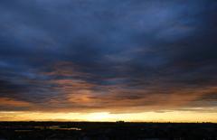 雲と夕日の間に
