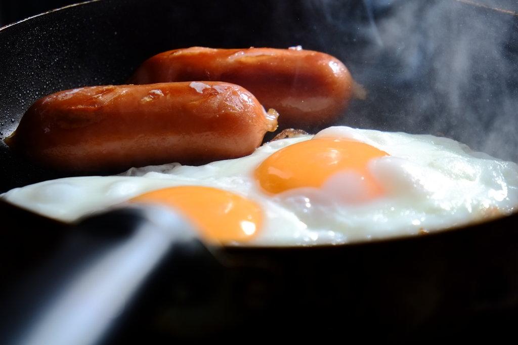 簡単な朝食を
