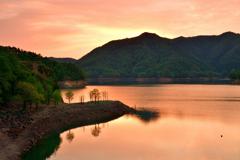 朝焼けの黒川ダム