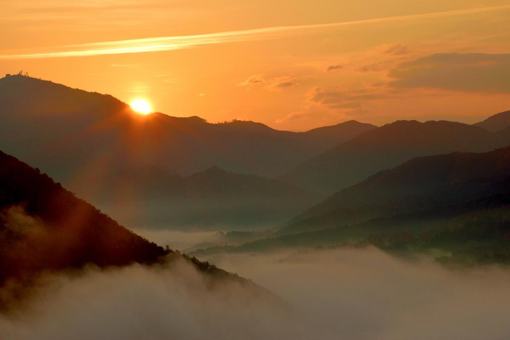 粟鹿山からの日の出