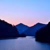 銀山湖の夜明け