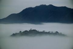 竹田城跡 霧に霞んで