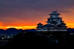 姫路城 朝焼け