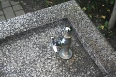 公園の水飲み場(大橋直久)