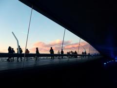 ガラスの向こうの夕景-2