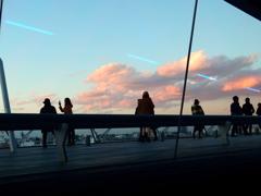 ガラスの向こうの夕景-3