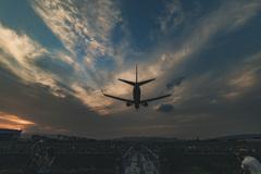 夕暮れの着陸便