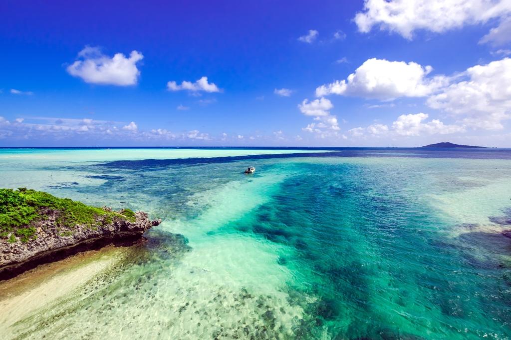 神の島への海路
