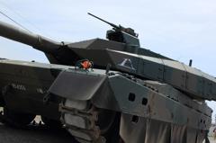 10式戦車登場