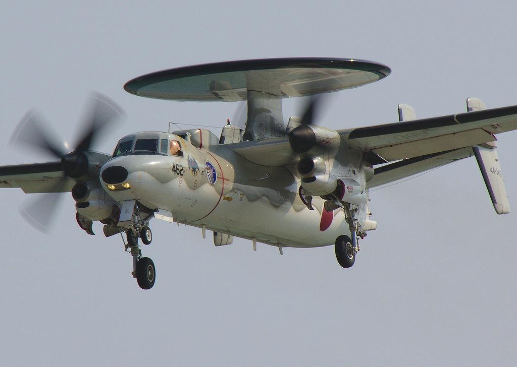 E-2C那覇基地へ