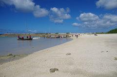 秋晴れの砂浜