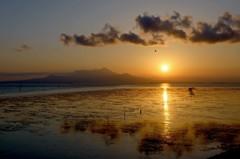 台風一過の夕陽です 1