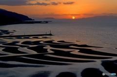 御輿来海岸にだるま夕陽 4