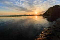 朝焼けとハス--琵琶湖の朝.04