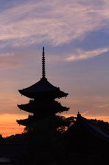 東寺の朝焼け 3