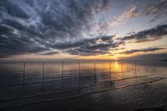優しい波と初日の出