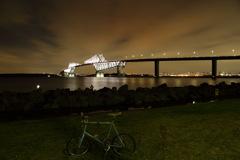 恐竜橋と自転車と