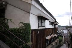 坂道の旧家