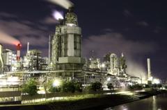 闇夜の工場