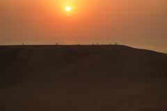 鳥取砂丘に沈む夕日
