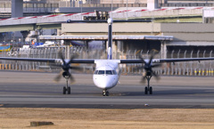 DH-8出発