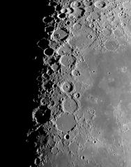 月面中央部クレーター
