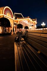 ディズニーランドのベンチ